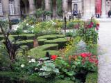 Garden in courtyard of the Carnavalet Museum