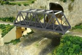 Walthers Double Track Through Truss Bridge