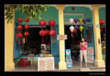 8787 Hoi An, shopgirl at Chinese lanternshop