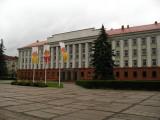 Soviet-era school on Resurrection Square
