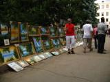 Local art for sale off Bulevardul Ştefan cel Mare