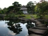 Pondside path, Oyashiki-no-niwa (Kōko-en)