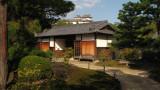 Nagaya-mon and Himeji-jō beyond