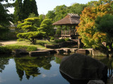 Pavilion and pond at the Nagare-no-hireniwa