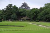 Okayama-jō's donjon rising over Kōraku-en
