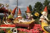 Rose Parade Float Viewing 13B