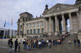 Long queues waiting to get into the Reichstag