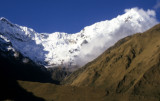 Snowcapped mountains on the way to Machu Picchu