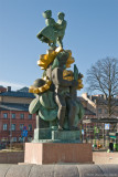 Näckens polska statue by Bror Hjort in front of the railway station