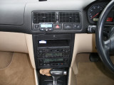 Parrot CK3100 in VW Golf Mk4 00 plate.JPG
