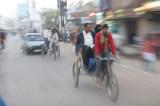 34 Le rickshaw.