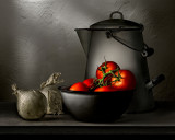 Onions and Tomatoes with Kettle