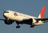 JAL JAPAN AIRLINES BOEING 767 300 FUK RF IMG_0990.jpg