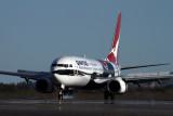 QANTAS BOEING 737 800 BNE RF IMG_2726.jpg