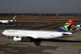 SOUTH AFRICAN AIRBUS A330 300 JNB RF IMG_2982.jpg