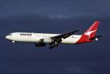 QANTAS BOEING 767 300 SYD RF 1617 30.jpg