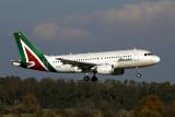 ALITALIA AIRBUS A319 FCO RF 5K5A0719.jpg