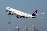 LUFTHANSA AIRBUS A340 600 HND RF 5K5A4175.jpg