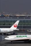 EVA AIR JAPAN AIRLINES AIRCRAFT HND RF 5K5A8364.jpg