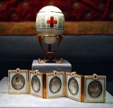 1915 - Red Cross Easter Egg with Imperial portraits