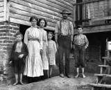 May 1911 - T.J. Fields and family