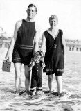 1920's - Family in beachwear