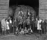 1918 - Farmers, farm hands, children and German POWs