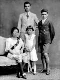c. 1920 - Siamese family