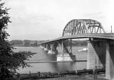 FV_Peace_Bridge_02.jpg