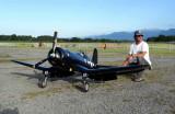 Reproduction à échelle réduite de l'avion de chasse US Vought F4U Corsair
