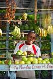 CUBA_3003 Roadside produce seller