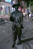 CUBA_3625  Night streets - Beny Moore statue