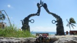 The Pandafords Visit Parque Fundadores Portal Maya Statue