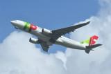 TAP Airbus A330-200 CS-TON