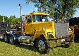 89_Mack_Superliner_4695.jpg
