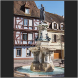Fontaine et statue Roesselmann