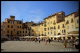 Lucca's oval piazza