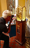 Capturing the mirror box