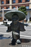 Bronze statue of a little monk DSC_5445