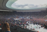 Olympic Stadion Filling Up