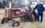 old_rusty_farm_tractors