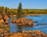 108.44 - Red Rocks: Rock Island In Autumn