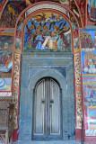 47_Narrow door.jpg
