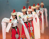 Pretty Performers in Tibetan Costume... (Aug 06)
