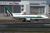 ALITALIA AIRBUS A330 200 BJS RF IMG_7073.jpg