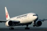 JAPAN AIRLINES BOEING 777 200 SYD RF IMG_6491.jpg