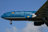 VIETNAM AIRLINES AIRBUS A330 200 MEL RF IMG_8053.jpg