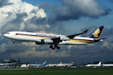 SINGAPORE AIRLINES AIRBUS A340 300 SIN RF 1412 25.jpg