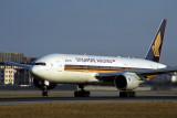 SINGAPORE AIRLINES BOEING 777 200 BJS RF 1670 27.jpg