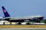 UNITED AIRLINES BOEING 777 200 NRT RF 1710 5.jpg